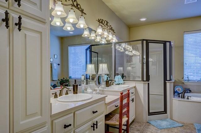 vonios apšvietimas, šviestuvai, interjeras